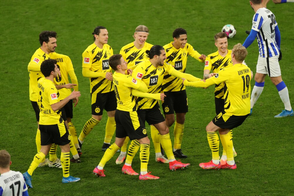Borussia Dortmund Celebra 130321 Getty Images E.jpg
