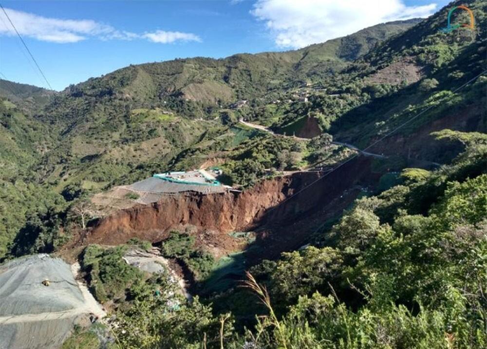 336644_BLU Radio. Deslizamiento afecta obras del Túnel del Toyo / foto: Túnel del Toyo