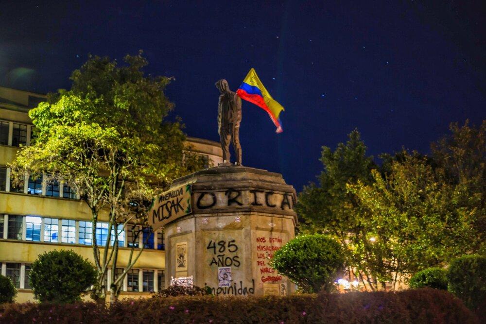 Estatua de Dilan Cruz