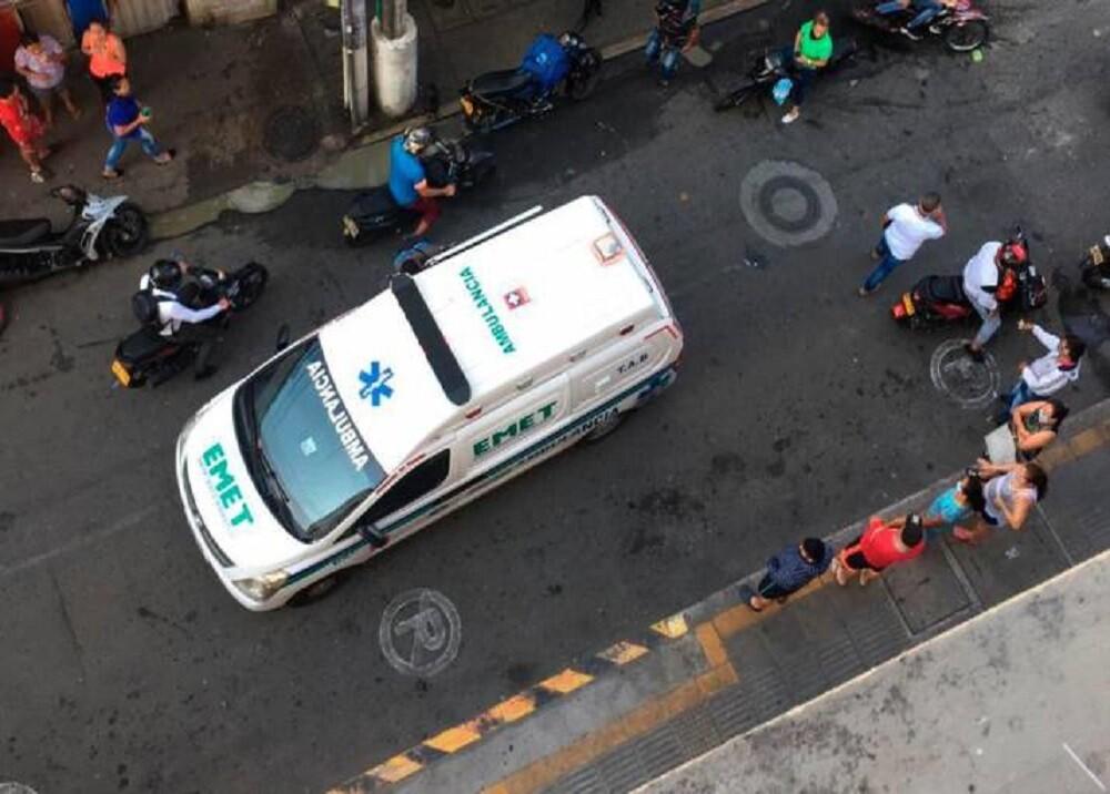 FOTO AMBULANCIA EDIFICIO.jpg