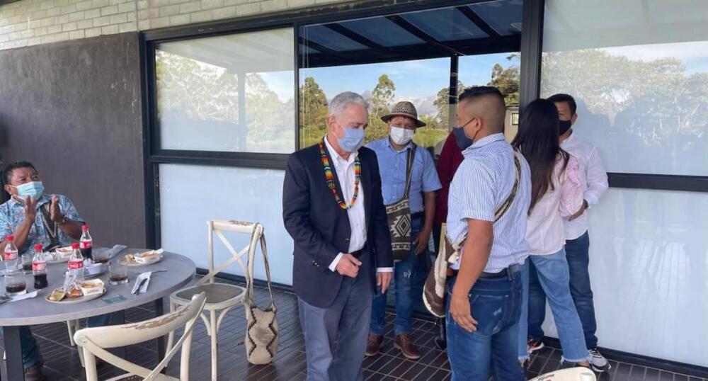 Reunión entre indígenas y Álvaro Uribe en Antioquia (2).jpeg