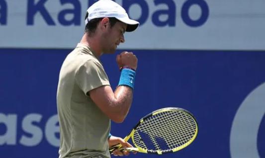 Nicolás Mejía clasificó a semifinal del Challenger de Salinas.