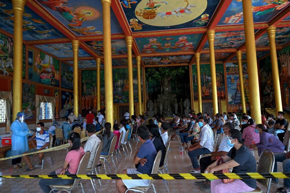 Responsabilizan a 4 jóvenes por casi 70.000 casos positivos de COVID-19 en Camboya