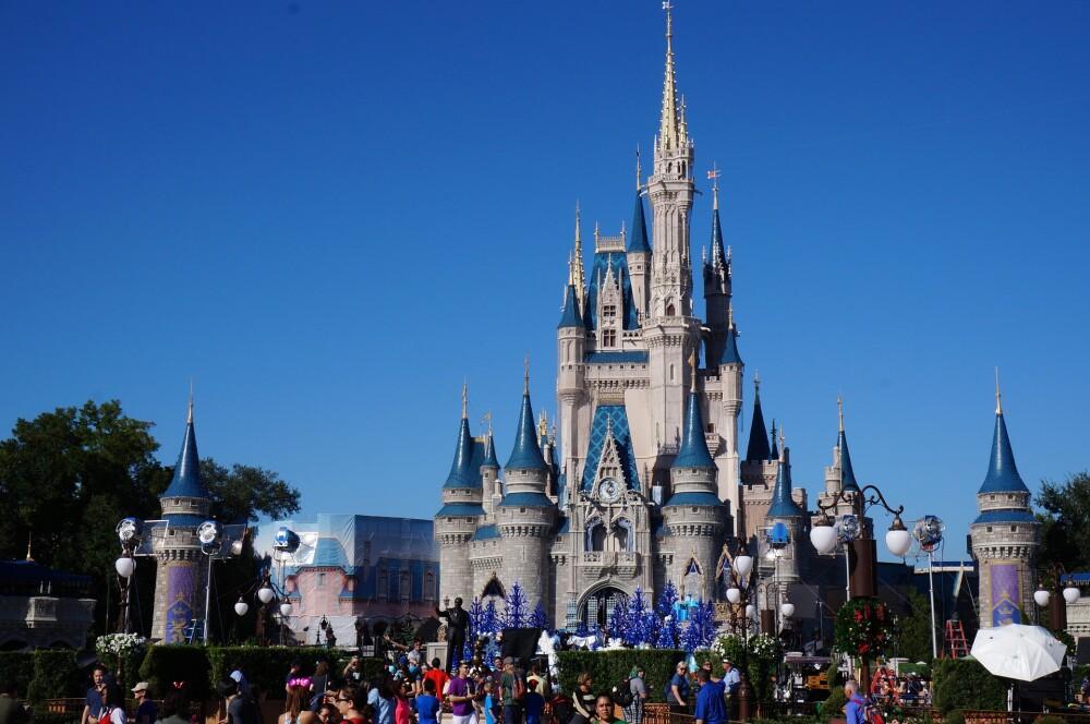 Policía inició operativo contra depredadores infantiles y fueron capturados tres empleados de Disney World