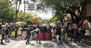 Primera línea Medellín.jfif