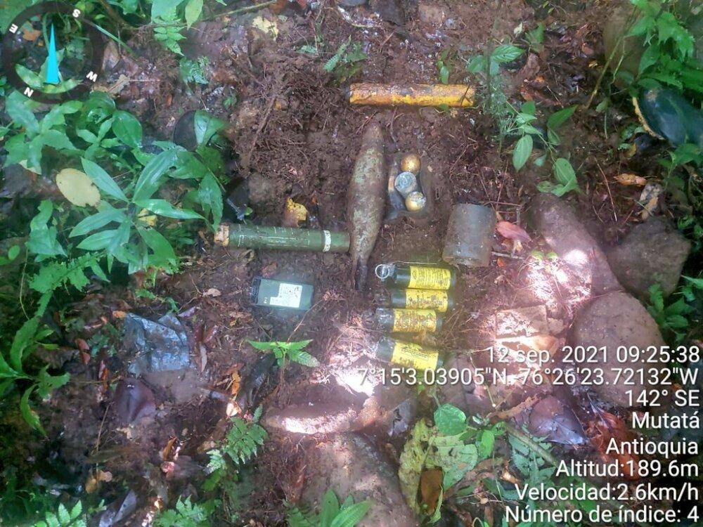 Elementos incautados en zona rural de Mutatá, Antioquia.jpeg