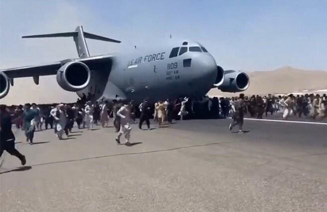 avión afganistán