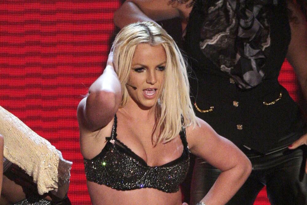 Britney-Spears-VMA-MTV.jpg