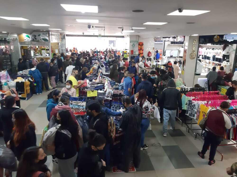 Aglomeraciones en San Victorino : Foto BLU Radio.jpeg