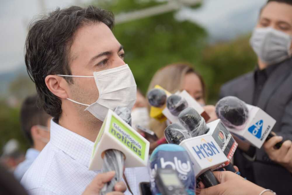 359876_El alcalde Daniel Quintero donará su sueldo para apoyar familias vulnerables. / Foto: Alcaldía de Medellín