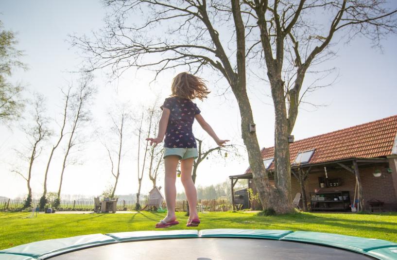 Niña murió tras recibir un disparo mientras jugaba en un trampolin