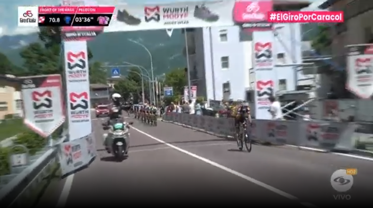 Esprint bonificado etapa 17 Giro de Italia.