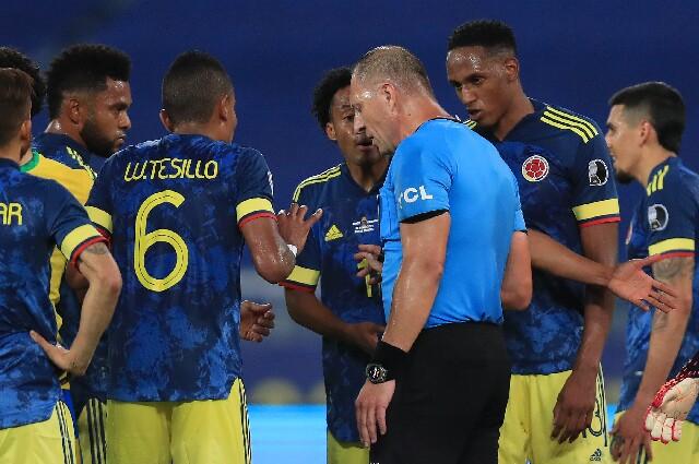 Jugada en Colombia contra Argentina