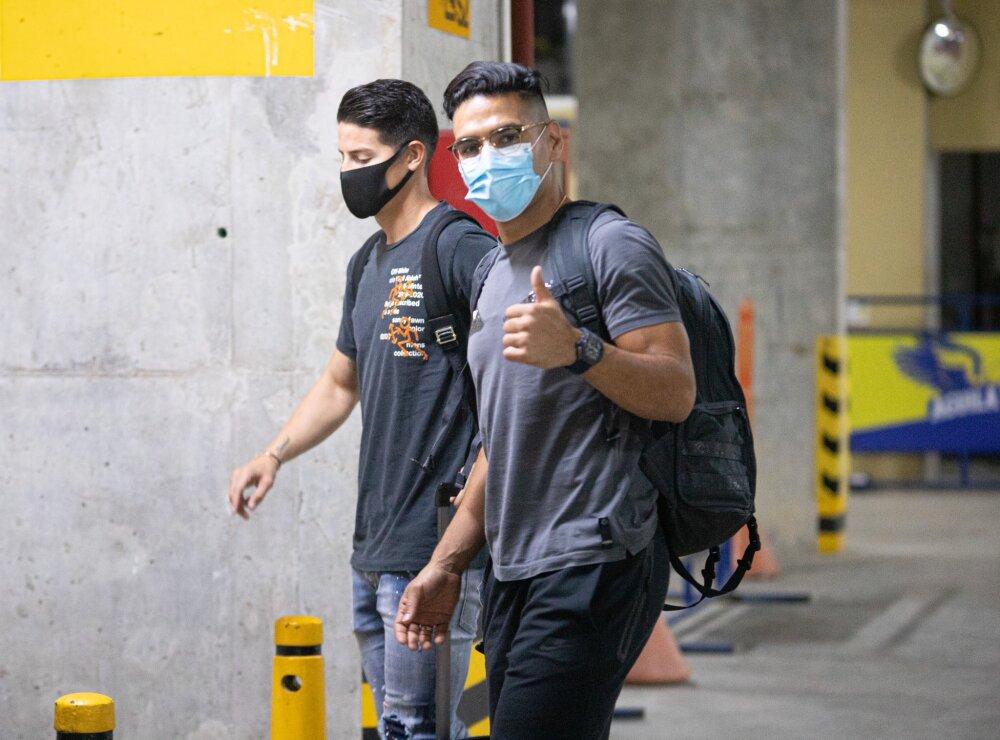 James y Falcao a su llegada a Barranquilla Foto FCF.jpg