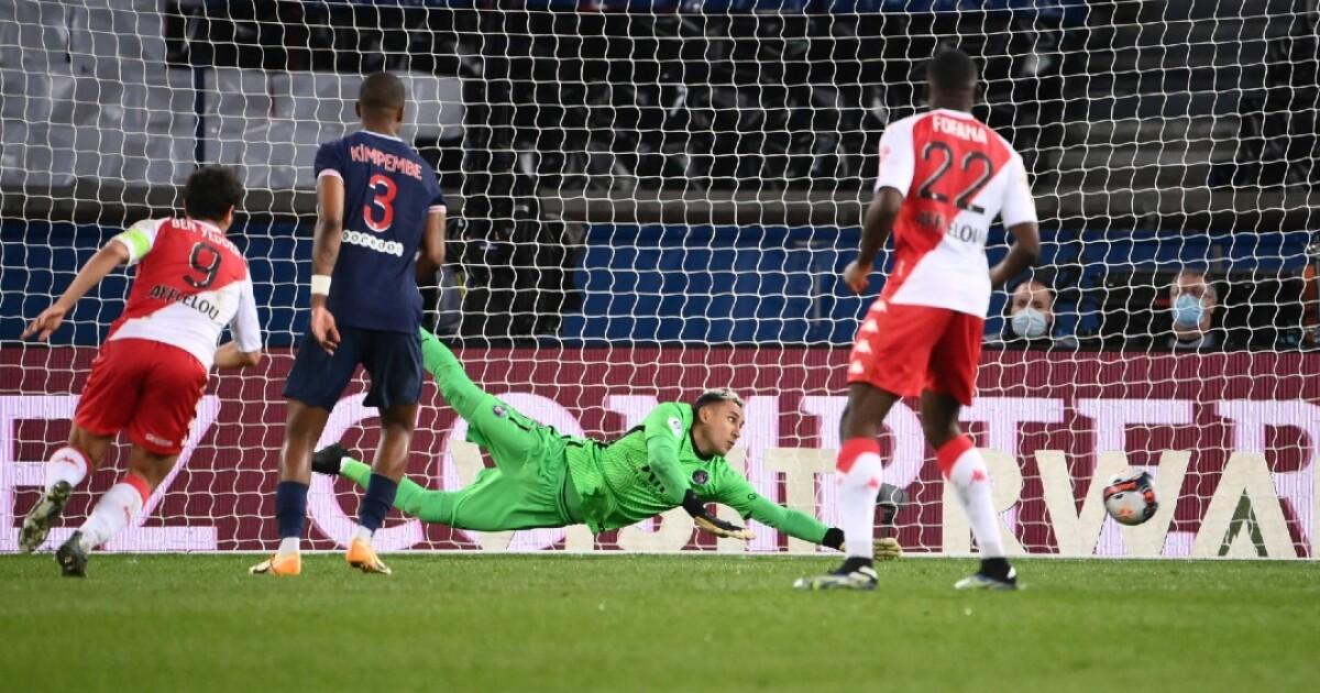 El PSG prolongó la resaca de su triunfo al Barcelona en la Champions: cayó 0-2 frente al Mónaco