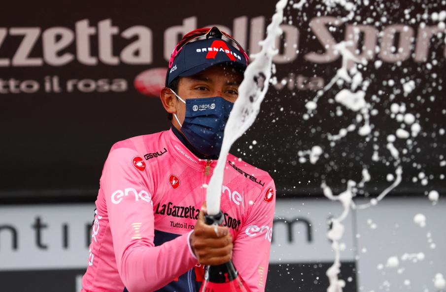 Egan Bernal es el líder del Giro de Italia 2021