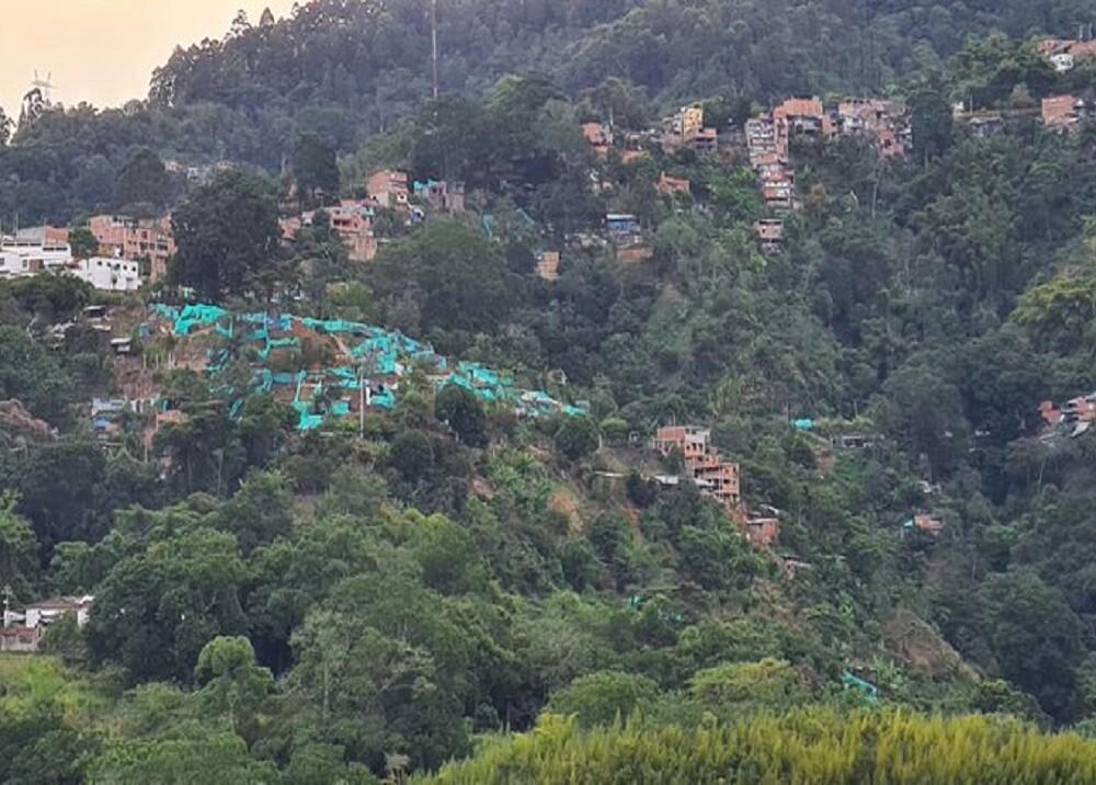 373208_BLU Radio: Invasión Cerros Orientales de Bucaramanga / Foto: Suministrada