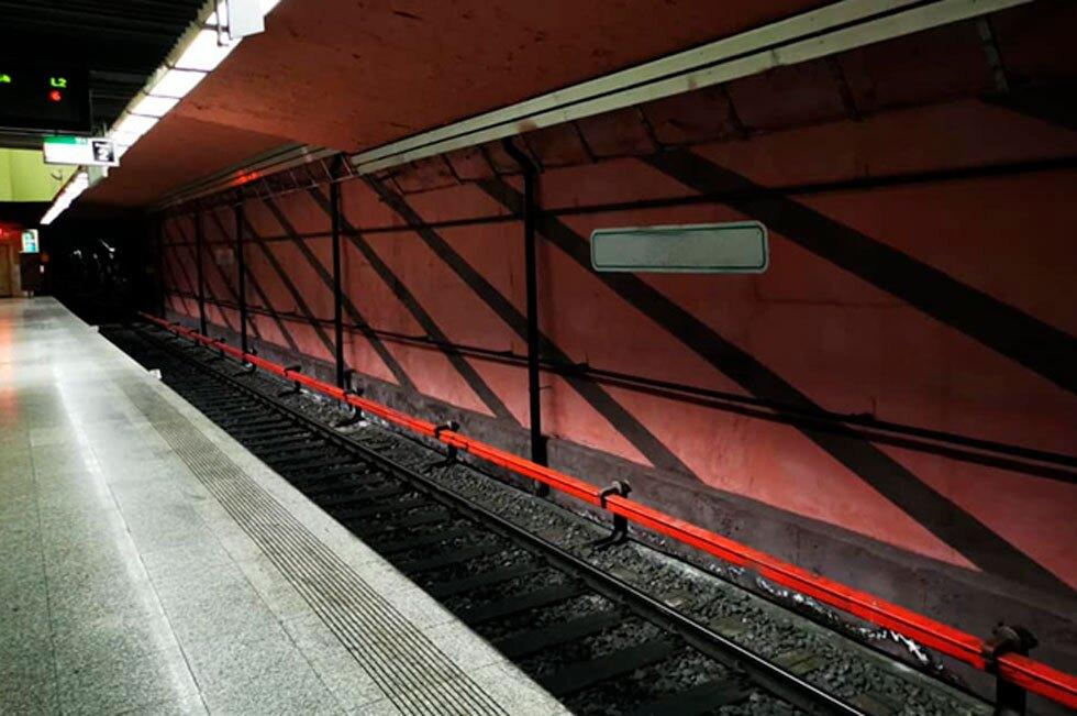 Rescatan jovencita en el metro de Bucarest