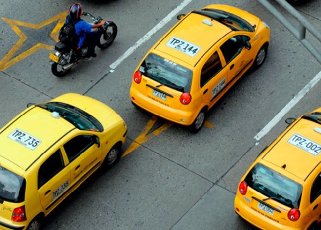 318877_BLU Radio. Taxistas - Referencia // Foto: AFP