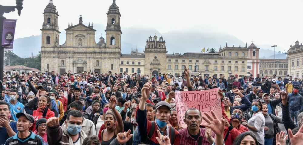 646800_PROTESTAS DE TRABAJADORES EN BOGOTÁ   (Photo by Guillermo Legaria Schweizer/Getty Images)