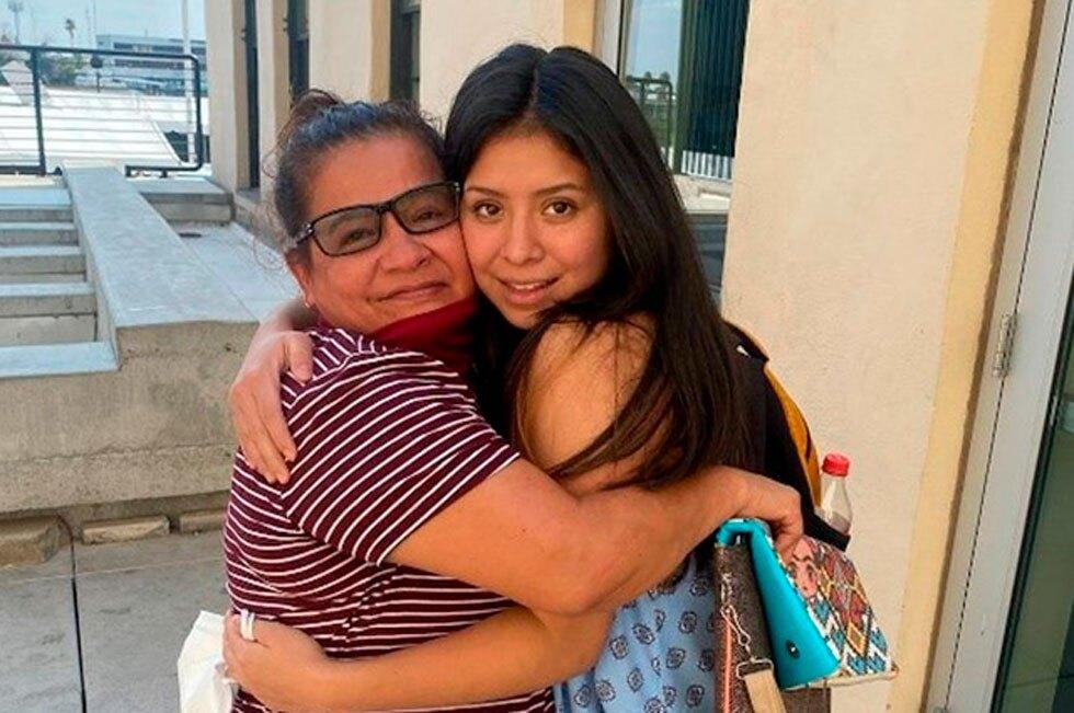Reencuentro madre e hija en EE. UU.