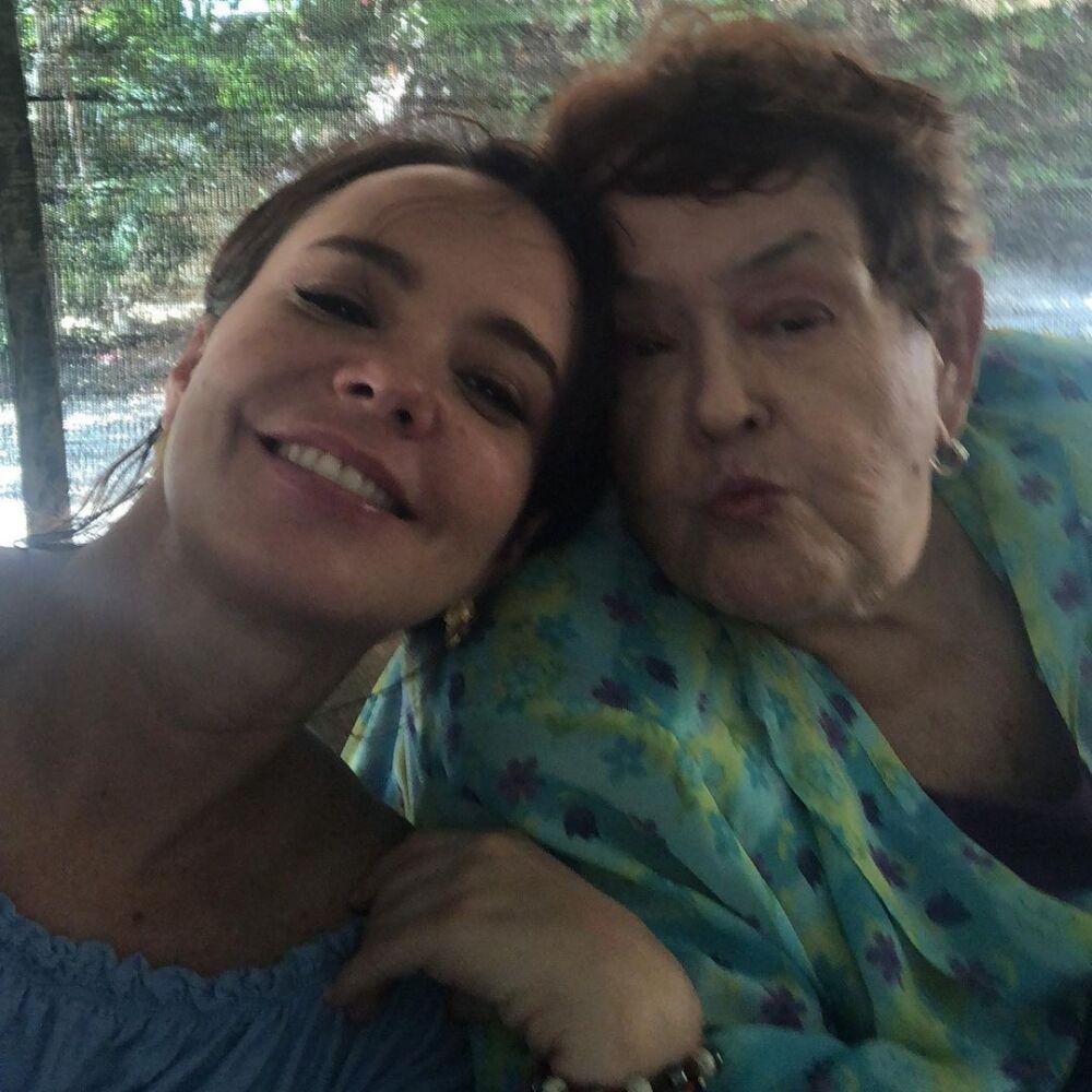 Falleció mamá de Natasha Klauss.jpg