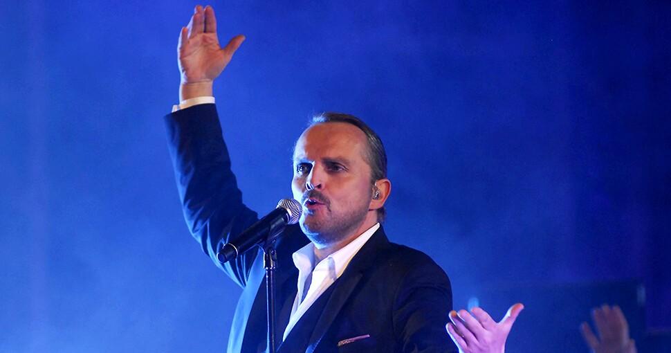 Fotografía del cantante Miguel Bosé