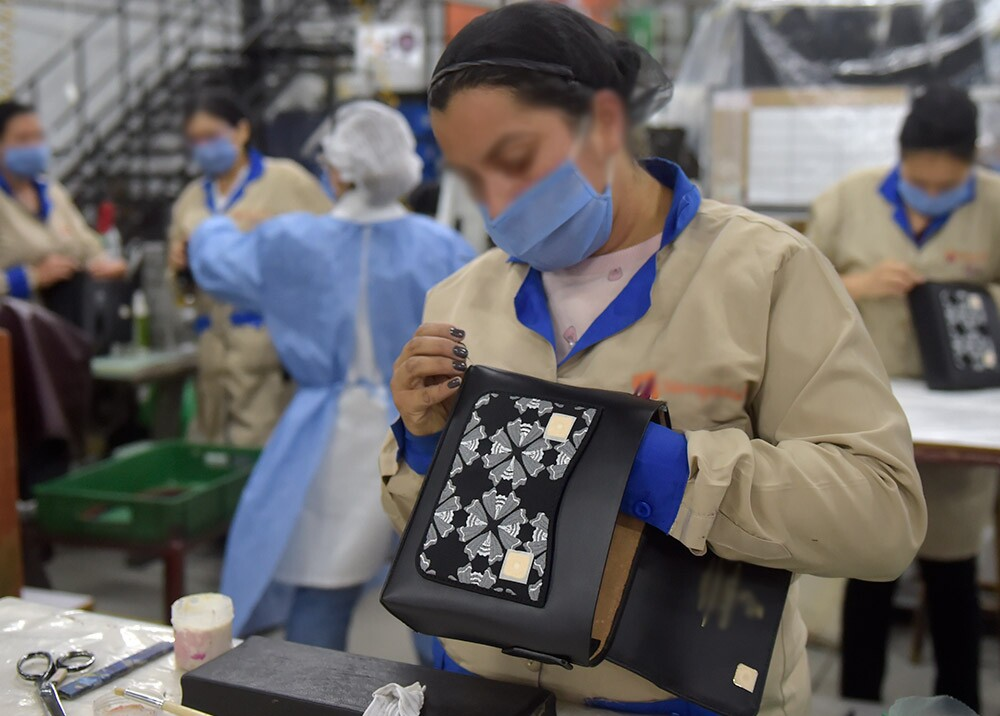 367074_Manufactura colombiana // Foto: AFP