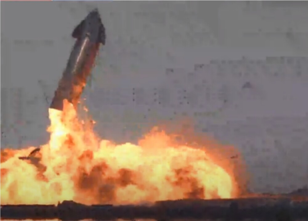 Explosión Prototipo de cohete de SpaceX_captura de pantalla YouTube.jpg