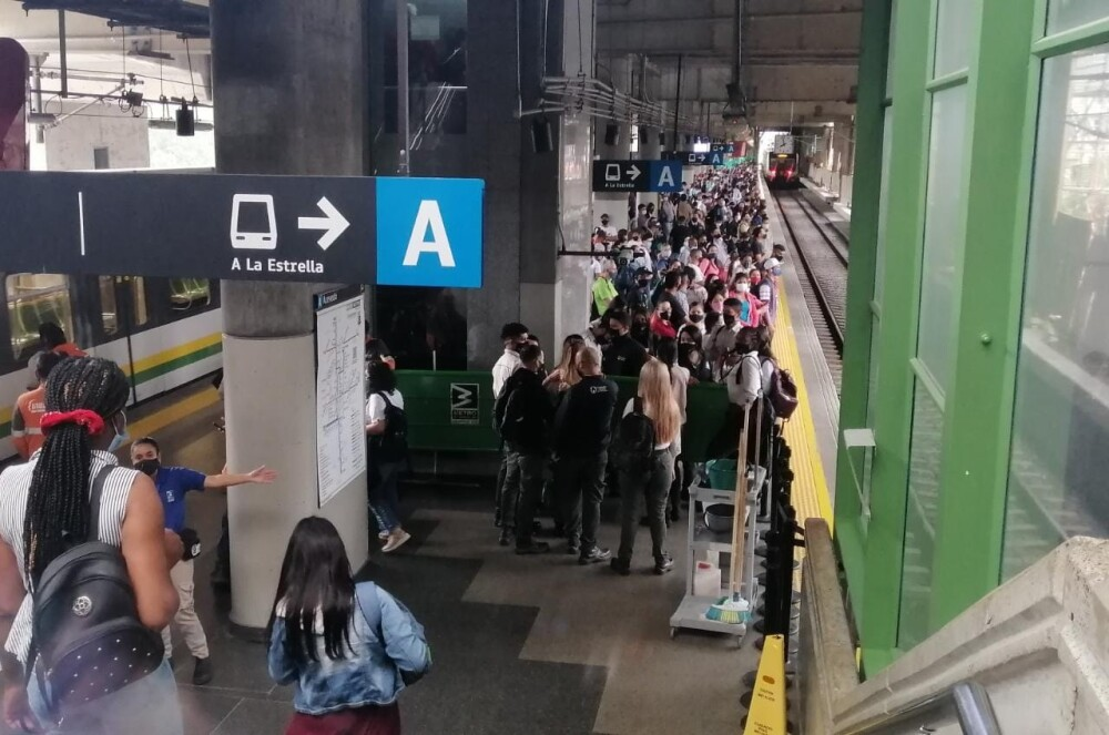 Congestión en el Metro de Medellín