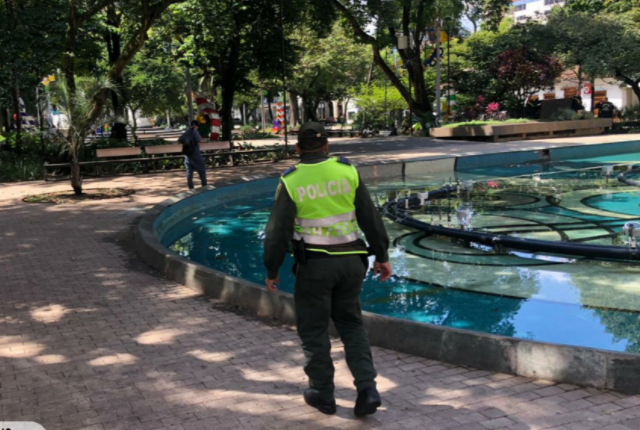 toque de queda Medellín.png