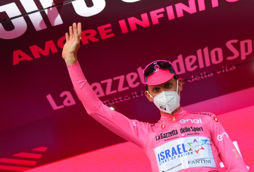 Alessandro De Marchi es el líder del Giro de Italia 2021