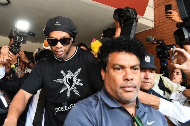 333305_Ronaldinho
