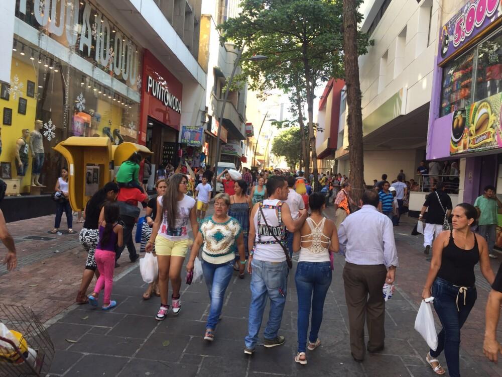 279390_Comercio en Bucaramanga - Foto: BLU Radio Bucaramanga