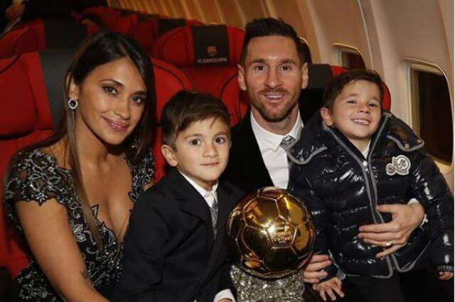 333037_Antonella y Leo Messi junto a sus hijos