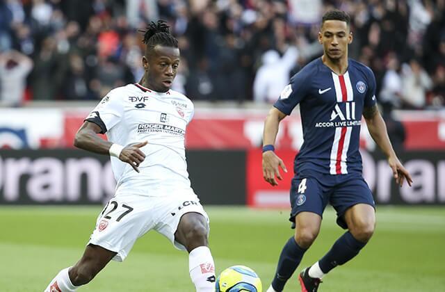 335695_Acción de juego de la Ligue 1