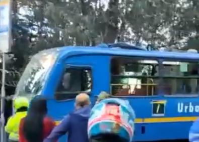 accidente bus del SITP.png