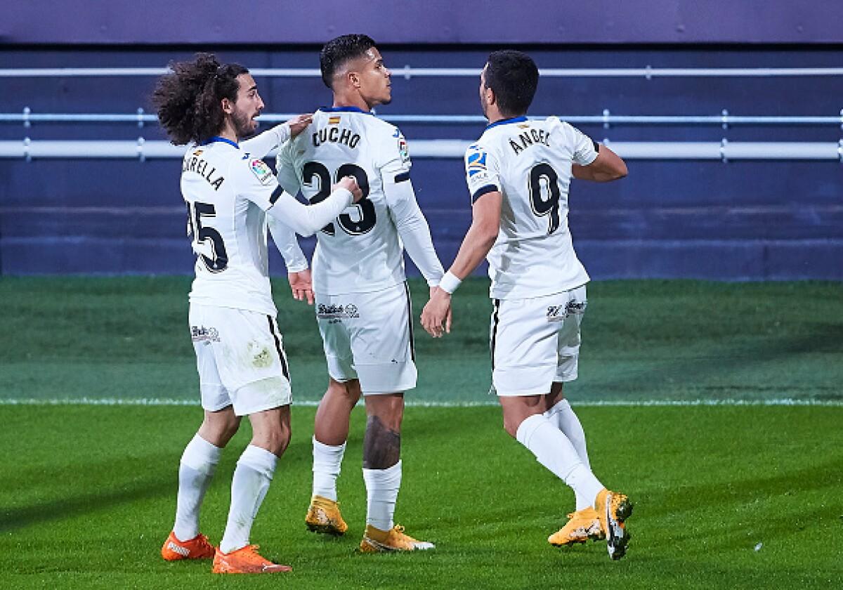 Al son de Juan Camilo Hernández, Getafe venció 0-2 al Cádiz y rompió la mala racha en liga de España