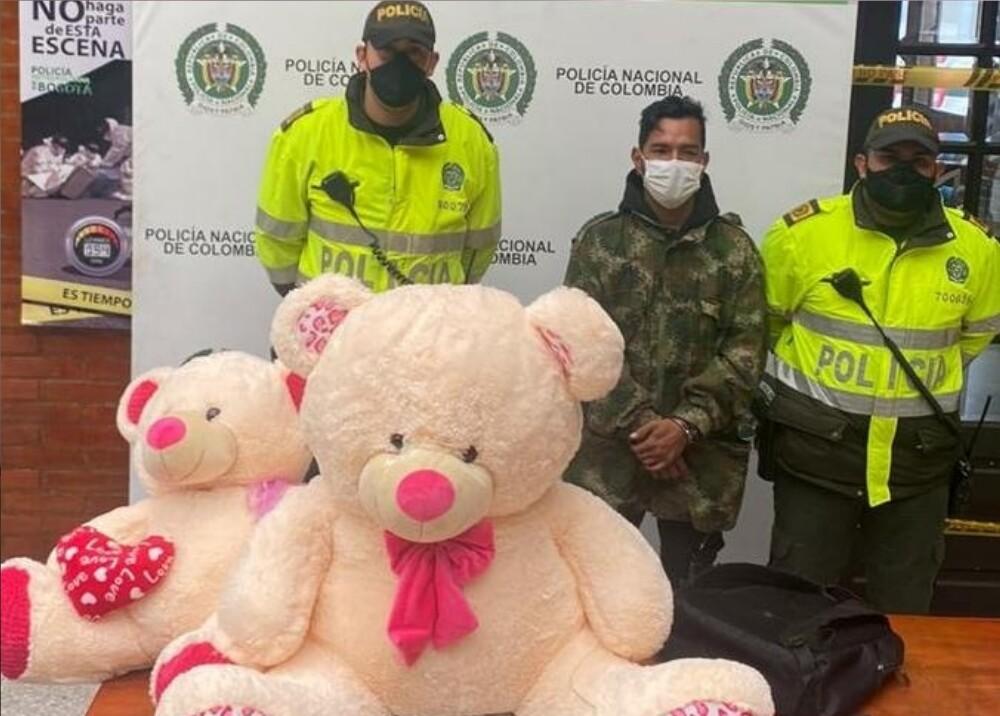 372292_Policía detuvo a ciudadano venezolano con 'narcopeluche' / Foto: Policía Metropolitana de Bogotá