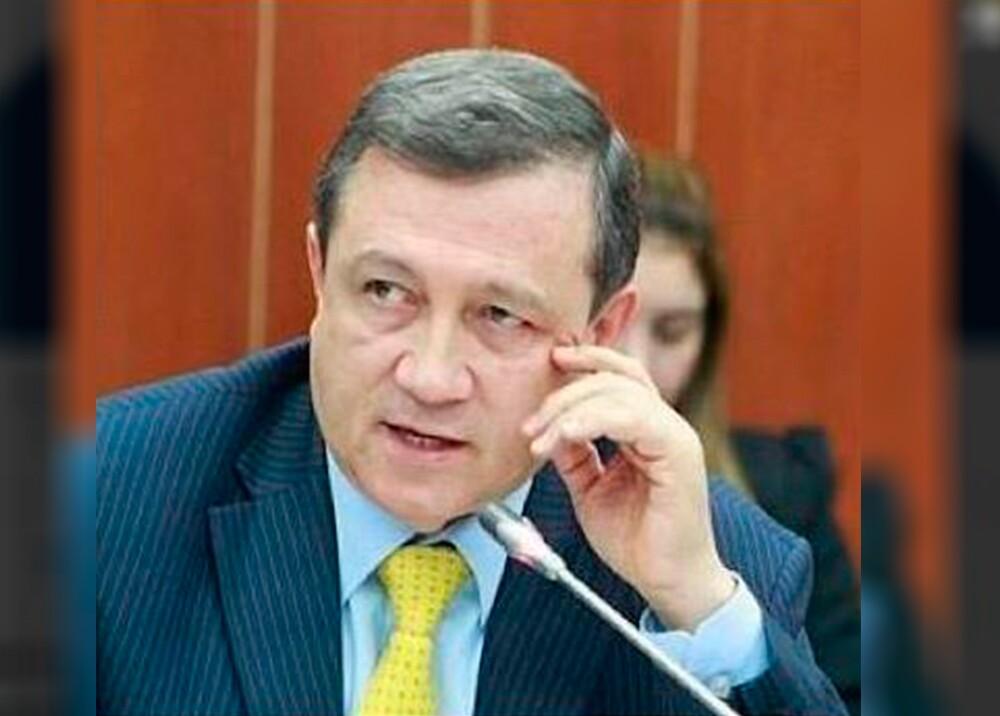 91690_BLU Radio, senador Ernesto Macias / Foto: Twitter @ernestomaciast