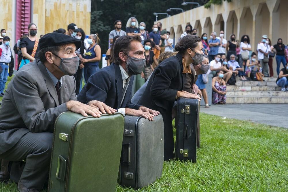 festival de teatro de cali  LEONARDO LINARES.jpeg