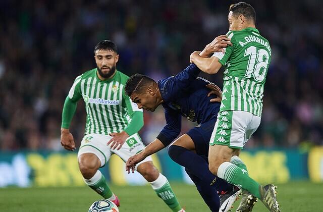 338267_Acción de juego de la Liga de España