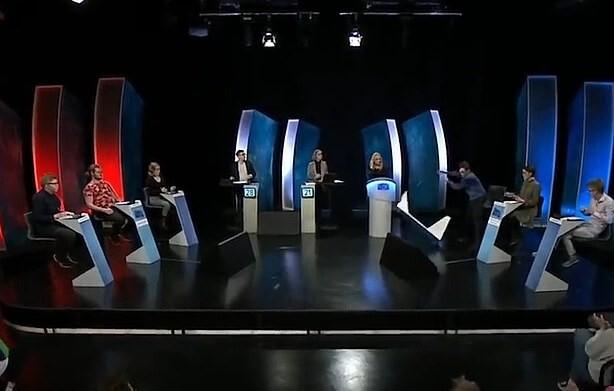 Estudiante-pierde-el-control-durante-concurso-en-Islandia