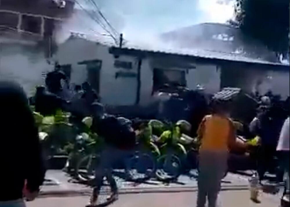 Incendio en estación San Mateo (Soacha)