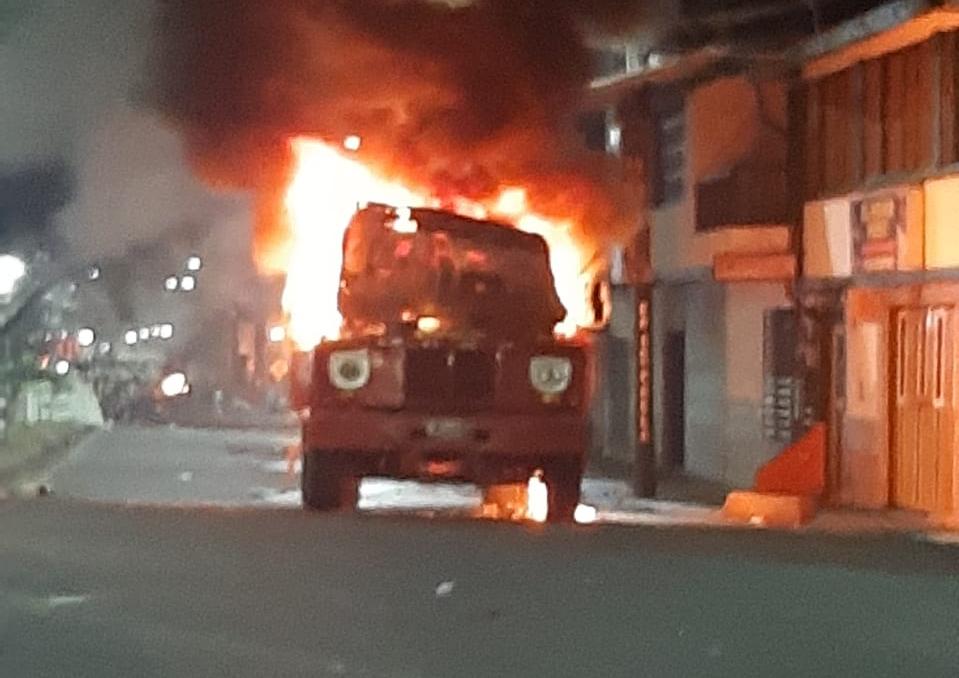 Vandalismo contra máquina de Bomberos en Cartago, Valle