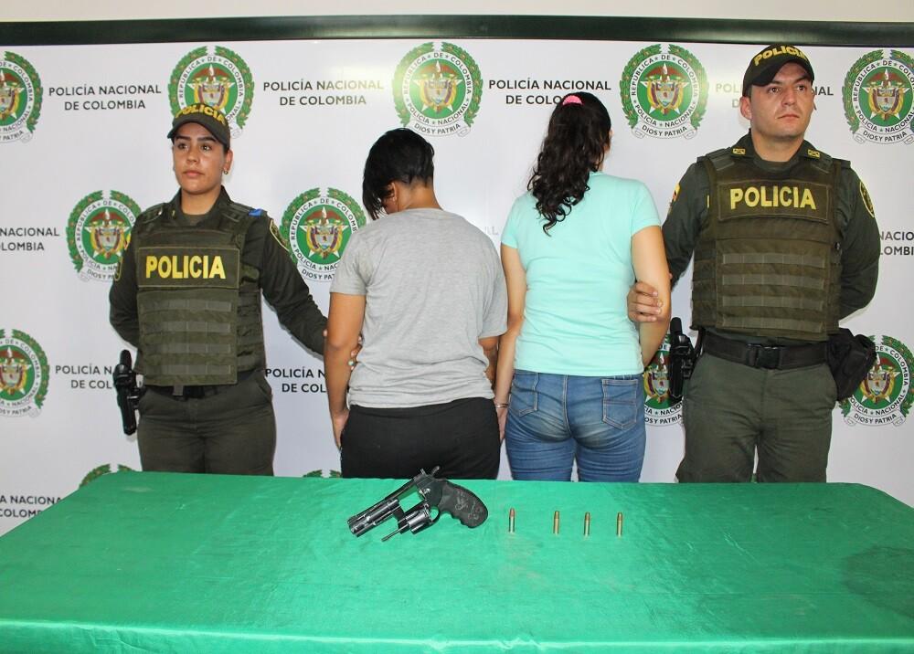 347198_BLU Radio. Capturadas mujeres que robaban en buses / Foto: Policía Mebuc