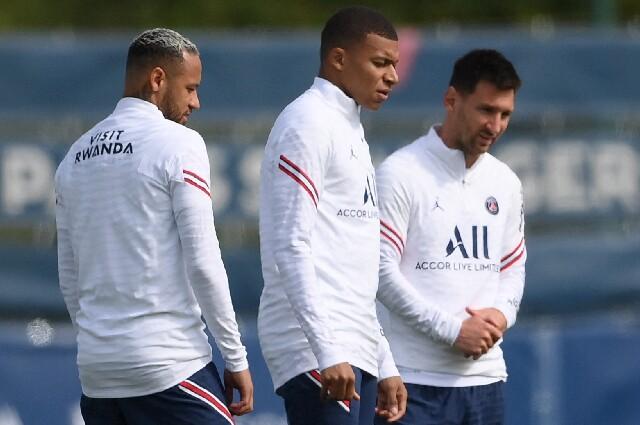 Neymar, Kylian Mbappé y Lionel Messi, en el entrenamiento del PSG
