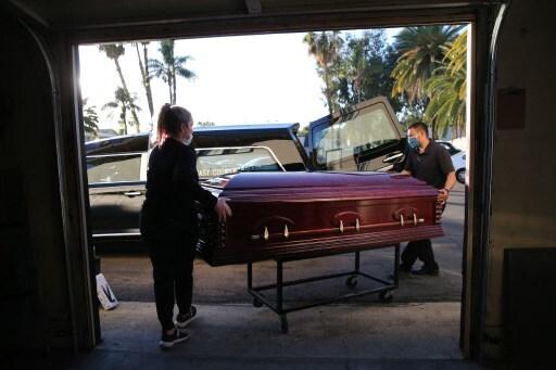 Cajón funebre