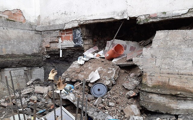 desplome de un muro en Medellín deja una persona muerta.