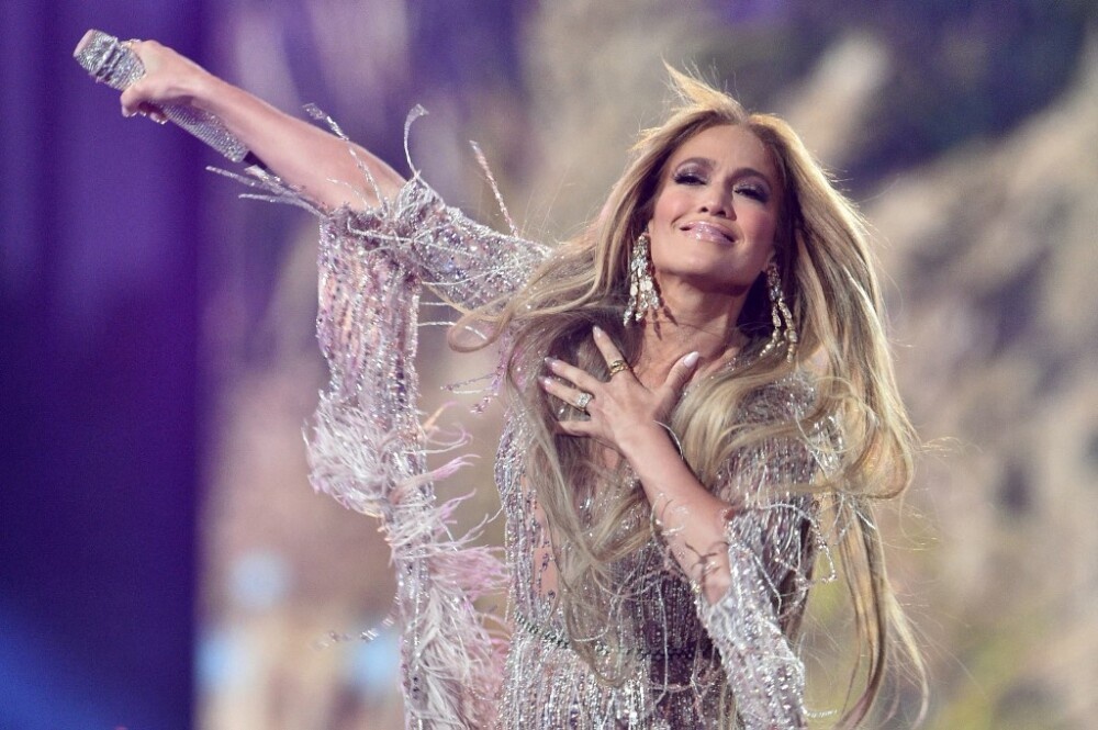 Jennifer López 'Cambia el paso' como dice su canción y llega a Broadway